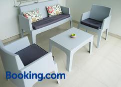 Lagoon Marina Apartments - Cole Bay - Phòng khách
