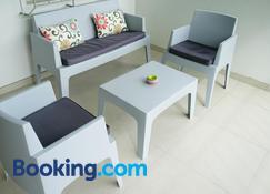 Lagoon Marina Apartments - Cole Bay - Living room