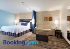 Home2 Suites by Hilton Milwaukee Airport - Milwaukee - Bedroom