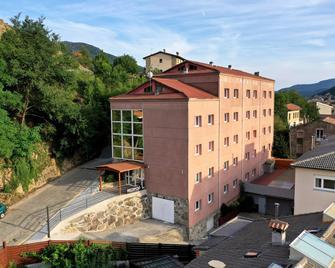 La Trobada Hotel Sport - Ripoll - Gebäude
