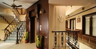 Hotel Diplomat Residency - Niu Đê-li - Cầu thang