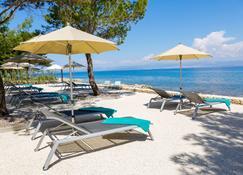Hotel Lemongarden - Sutivan - Beach