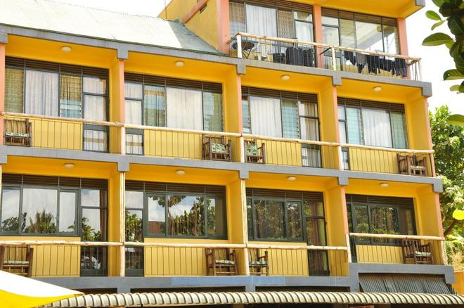 Bativa Hotel - Kampala - Building