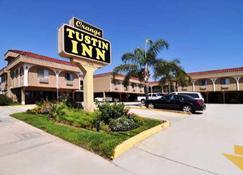 Orange Tustin Inn - Orange - Будівля