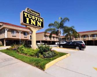 Orange Tustin Inn - Orange - Building