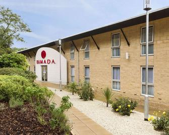 Ramada by Wyndham Oxford - Oxford - Gebouw