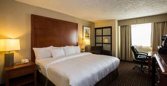 Homestay Inn & Suites - Медисин-Хет