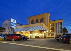 Best Western Ocean Sands Beach Resort - North Myrtle Beach - Building