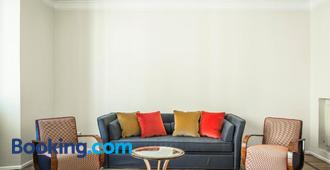 Brera Apartments - Milan - Living room