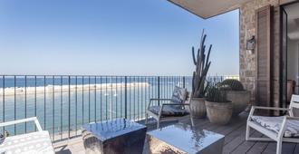 דירה יוקרתית - נוף לים - 5 חדרים Y3 - תל אביב - מרפסת