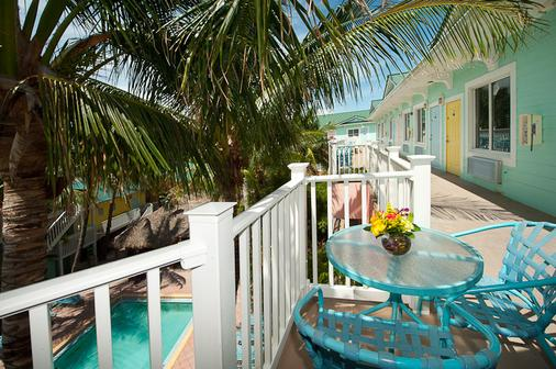 The Lighthouse Resort Inn & Suites - Fort Myers Beach - Balcón
