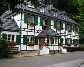Hotel - Restaurant Wißkirchen - Odenthal - Gebouw