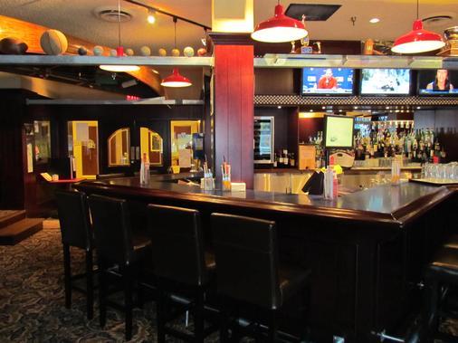 Best Western Plus Barclay Hotel - Port Alberni - Bar