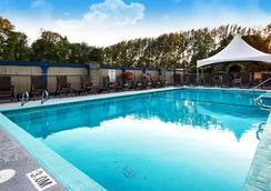 Best Western Plus Barclay Hotel - Port Alberni - Pool