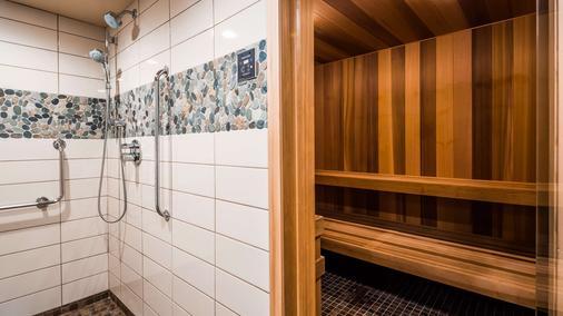 Best Western Plus Barclay Hotel - Port Alberni - Bathroom