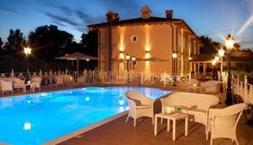Piccolo Borgo - Rome - Pool