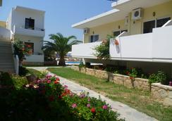 Karmi Studios & Apartments - Chania - Outdoors view