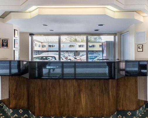 Econo Lodge Downtown - Ottawa - Reception