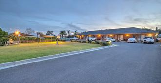 Cadman Motor Inn & Apartments - Tamworth - Vista del exterior