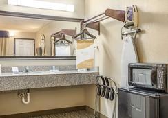 SureStay Hotel by Best Western Tupelo North - Тупело - Ванная
