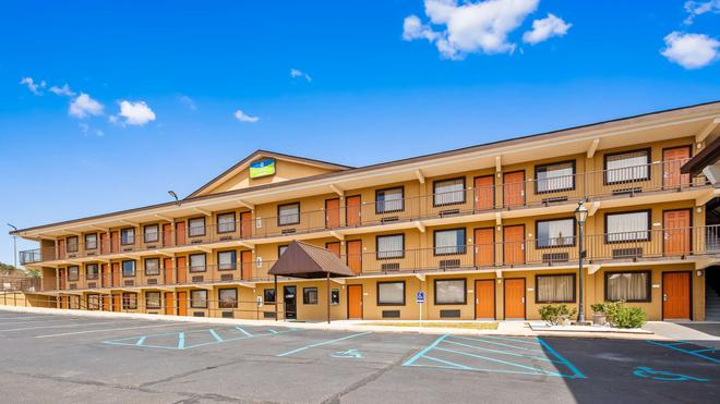 SureStay Hotel by Best Western Tupelo North - Tupelo - Building