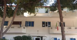 B&B Al Bergo Lamanna - Taranto - Κτίριο