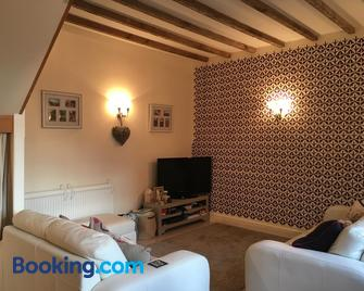 The Stables - Church Stretton - Living room