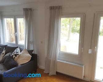 Texashaus Apfelbacher - Kitzingen - Living room