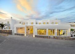Petinos Hotel - Platis Gialos - Building
