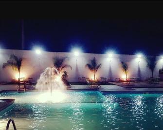 Le Zenith Hotel Oran - Orán - Piscina
