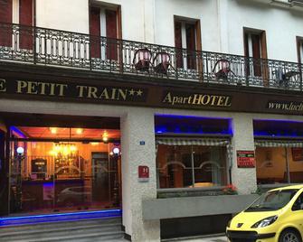 Aparthotel le petit train - Bagnères-de-Luchon - Building