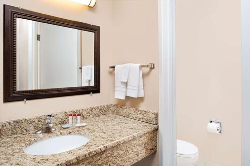 Ramada by Wyndham Spokane Valley - Spokane - Phòng tắm