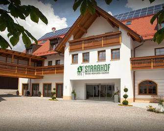 Hotel Straßhof - Pfaffenhofen an der Ilm - Gebouw