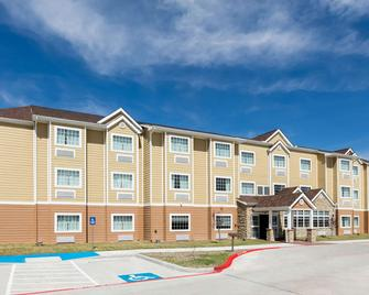 Microtel Inn And Suites by Wyndham Monahans - Monahans - Building