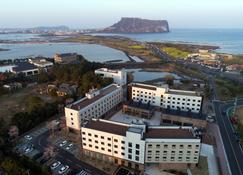 Playce Camp Jeju - Seogwipo - Edificio