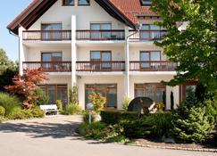 Hotel Restaurant Waldhorn - Friedrichshafen - Building
