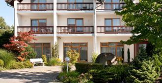 Hotel Restaurant Waldhorn - Friedrichshafen