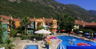 The Tower Hotel - Ölüdeniz - Bể bơi