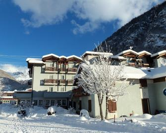 Hotel Santoni - Fucine - Будівля