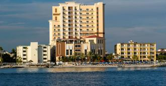 Hampton Inn & Suites Clearwater Beach - Clearwater Beach - Edificio