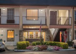 Travelodge by Wyndham Commerce GA Near Tanger Outlets Mall - Commerce - Edificio