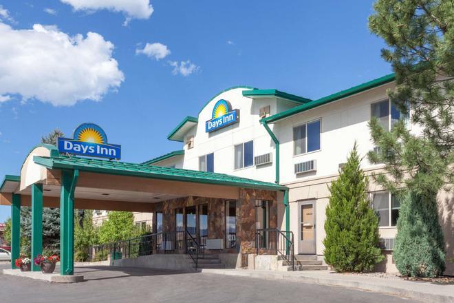 Days Inn by Wyndham Missoula Airport - Missoula - Building