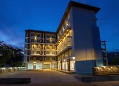 麗拉瓦迪大酒店 - 烏隆 - 烏隆 - 建築