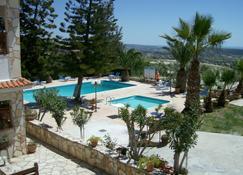 Rantzo Holiday Apartments - Pissouri - Pool