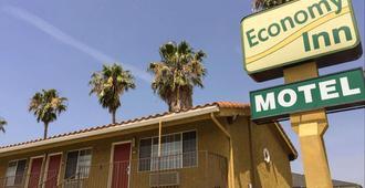 Economy Inn Motel Sylmar - Los Angeles - Gebäude