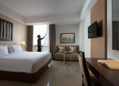 Santika Premiere Kota Harapan Indah - Bekasi - Bedroom