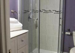 Amanda's Bed & Breakfast - Markham - Bathroom
