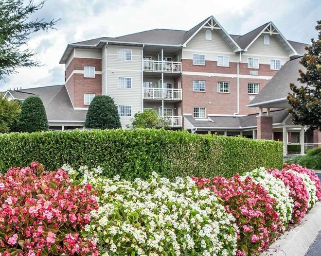 Mainstay Suites Conference Center - Pigeon Forge - Building