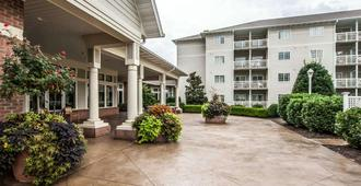 Mainstay Suites Conference Center - Pigeon Forge - Κτίριο