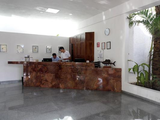 Hotel Sotavento & Yacht Club - Cancún - Front desk
